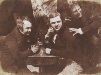 Die vermutlich erste fotografische Aufnahme des Biergenusses: schottische Studenten um 1844