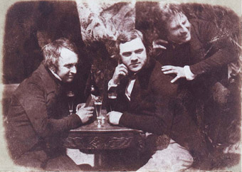 Schottische Studenten um 1844: die vermutlich erste fotografische Aufnahme des Biergenusses.