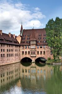 Im Zweiten Weltkrieg wurde das Heilig-Geist-Spital zerstört. Heute dient die neu errichtete Stiftung Konrad Groß' wieder einem sozialen Zweck: Der Bau beherbergt ein Seniorenwohnheim.