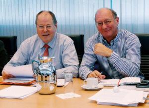 Franz Maget und Peer Steinbrück bei einer Sitzung des Bundespräsidiumsder SPD, 2009