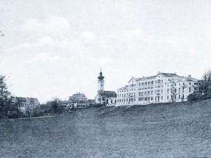 Das Hompesch-Schlössl musste nach den Plänen von König Maximilian II. einem Beamtentöchterstift im Bürklein-Stil weichen.