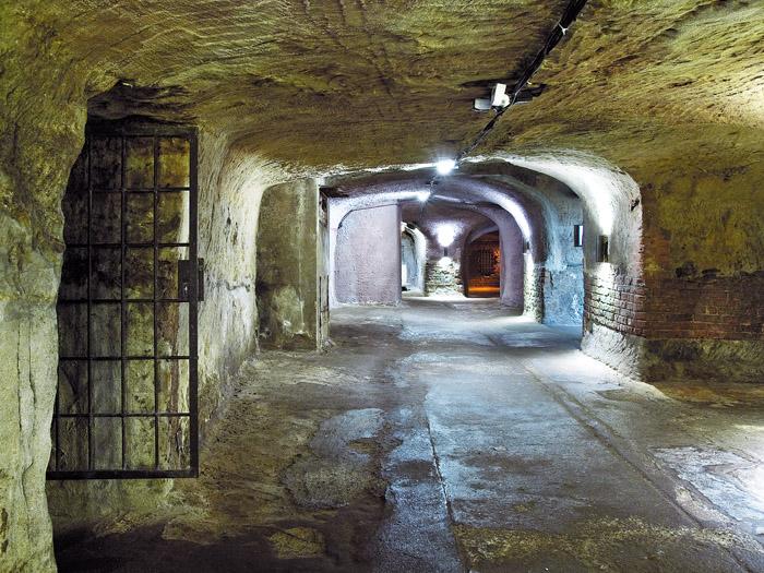 Die am Ende des 14. Jahrhunderts angelegten Nürnberger Felsenkeller sind die ältesten ihrer Art in Bayern und können im Rahmen von Führungen besichtigt werden. (Foto: BLfD, Eberhard Lantz)