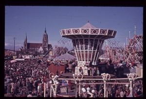 Oktoberfest 1954 Kettenkarrussel