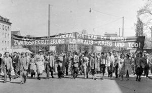 Proteste gegen die Remilitarisierung