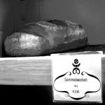 Semmel ist die Bezeichnung für Gebäck aus weißem Weizenmehl. Weswegen ein Roggenschuberl natürlich keine Semmel ist. Folgerichtig kennt die bairische Backtradition zahlreiche weitere Bezeichnungen für kleines Brotgebäck wie Kuppeln, Pfenningmuckerl, Maurerlaiberl oder Riemische Weckerl