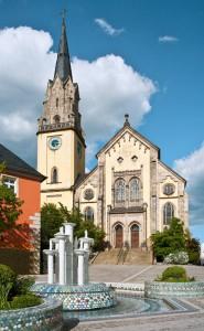 Die Kirche St. Andreas in Selb. Zur Zeit der beiden Kontrahenten Geißler und von Reitzenstein stand hier noch ein Vorgängerbau. Nach einem Stadtbrand wurde 1856 an gleicher Stelle die neue Stadtkirche erbaut. (Foto: Wolfgang Bouillon, Bayreuth)