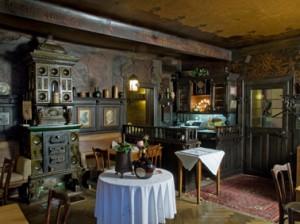 Die nördlichste der beschriebenen Gaststätten: Schubert's Weinstube in Unterfranken aus dem 19. Jahrhundert (Foto: BLfD).